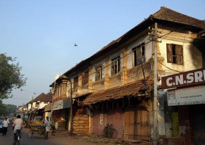 De vieilles maisons du temps de la splendeur d'Allepey