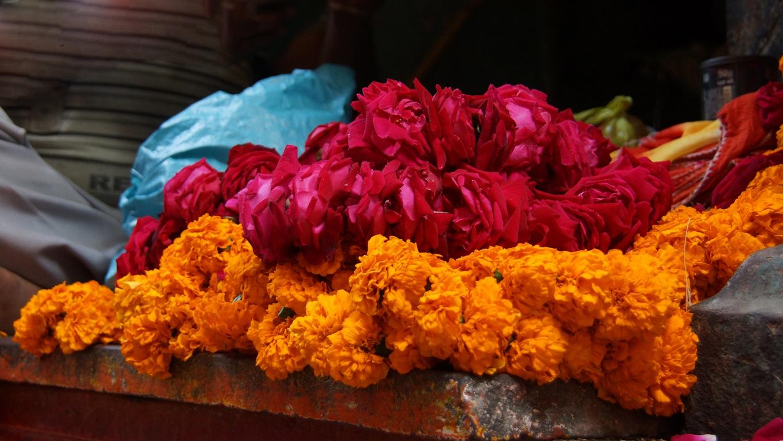 www.raconte-moi-une-image.com/marché aux fleurs à Mysore