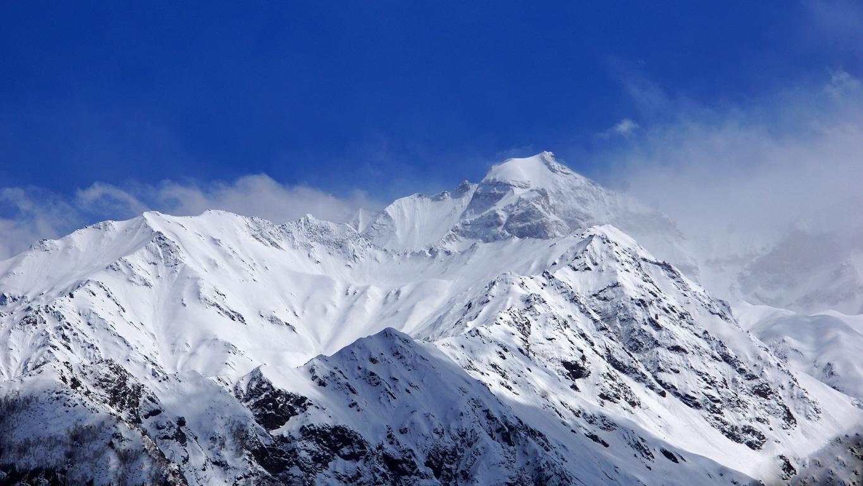 Les sommets enneigés de l'Himalaya à Sangla (Himachal Pradesh) (3)